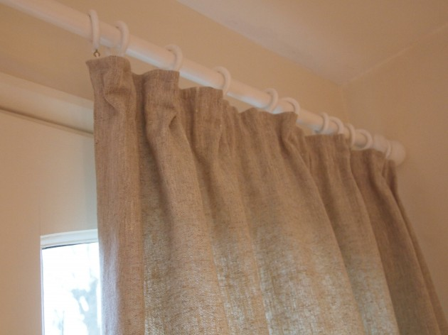 Simple lined curtain